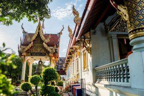temple-garden-and-exterior-at-wat-phra-singh-chiang-mai-thailand-683729493-58e552035f9b58ef7e88d10a